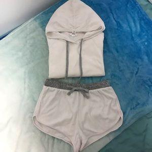 Forever 21 ladies Pale Pink Sweatshirt & short set
